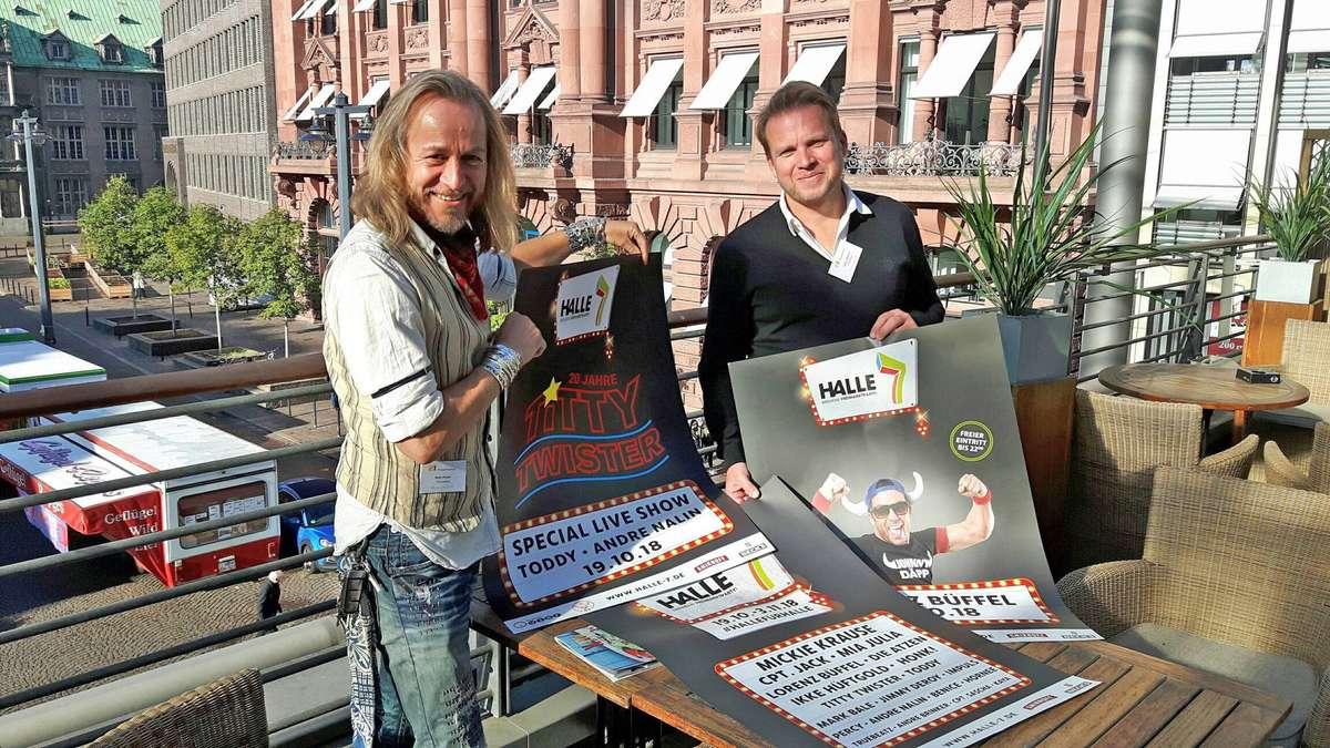 Sven Kruse (l.) und Tobias Meisner haben das Party-Freimarktsprogramm für Halle 7 festgezurrt. Unter anderem sind die Mallorca-Stars Mickie Krause, Mia Julia und Lorenz Büffel in Bremen dabei.
