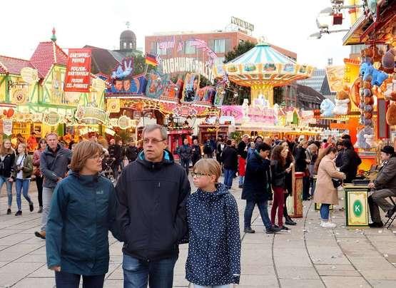 Glamour und Grusel: 984. Bremer Freimarkt ist eröffnet