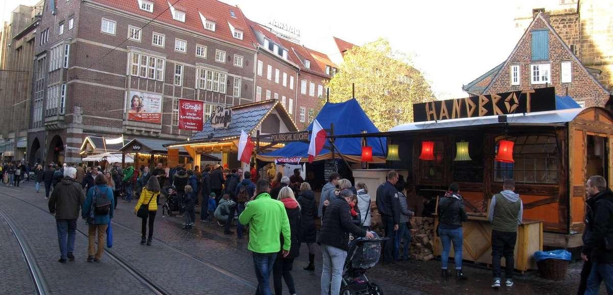 Verkaufsoffener Sonntag am Freimarkts-Finaltag: Das Wetter spielte wieder mit.