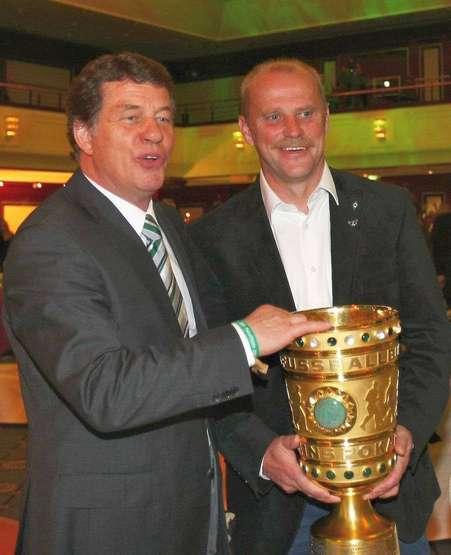 Rehhagel und Co. im Hansezelt