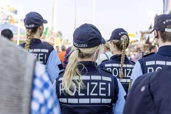 Polizei mit großem Aufgebot auf dem Freimarkt-Gelände