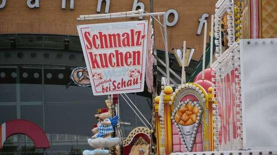 Preisvergleich: Das kosten Bier, Schmalzkuchen und Co.auf dem Freimarkt
