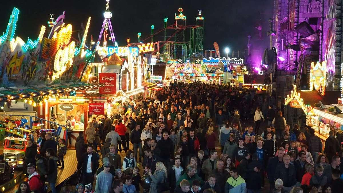 Nur 3,8 Millionen Besucher kamen zum Freimarkt - die Absage wegen des Sturms am Samstag wirkte sich negativ aus.