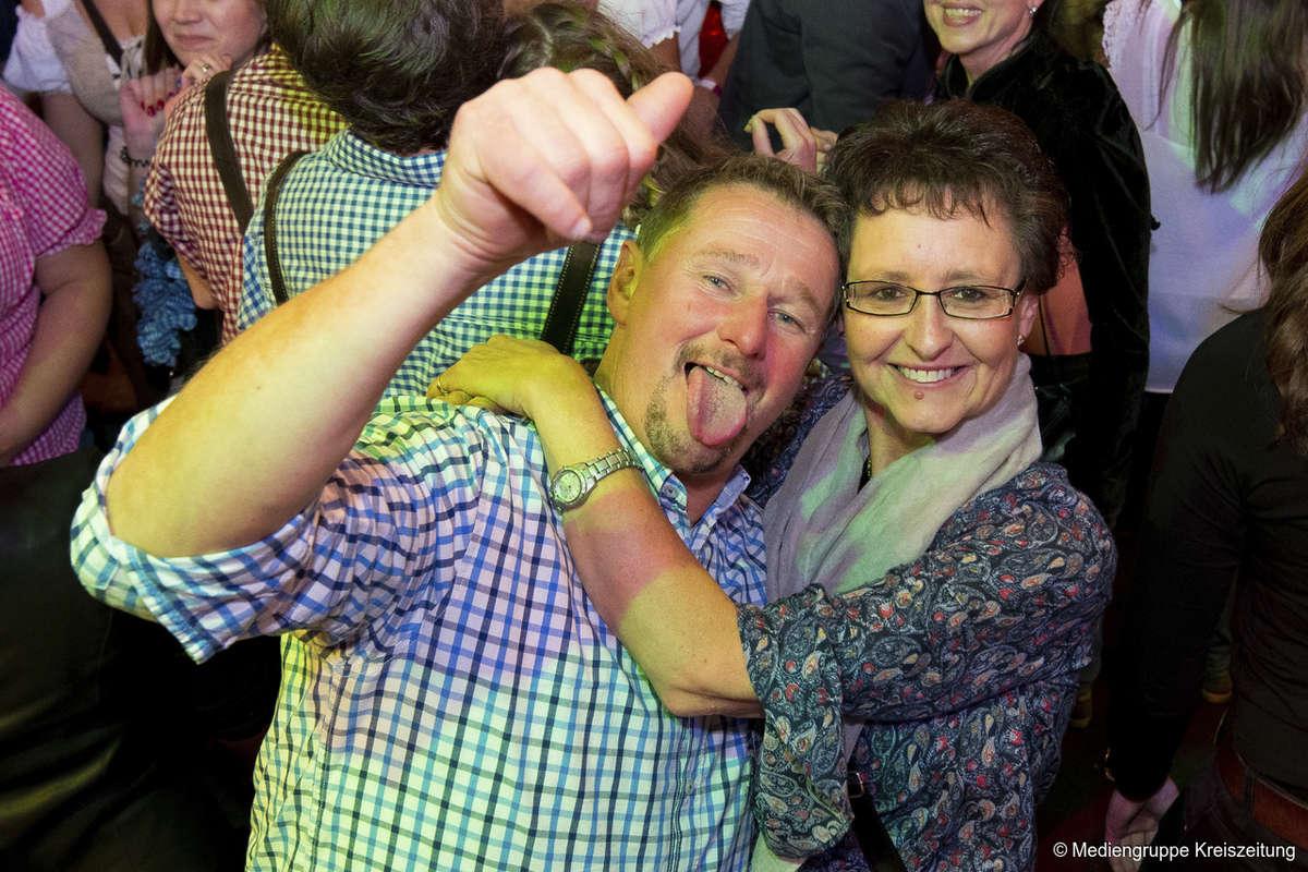 Drittes Party-Wochenende auf dem Freimarkt - Samstag in der Bayernfesthalle